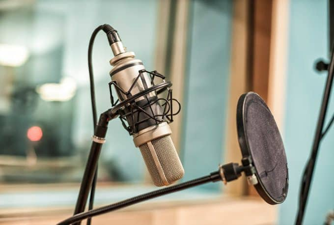 Best Podcasts for Entrepreneurs to Listen to
