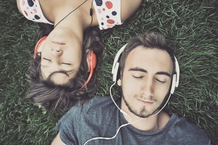 13 Proven Benefits of Listening to Music