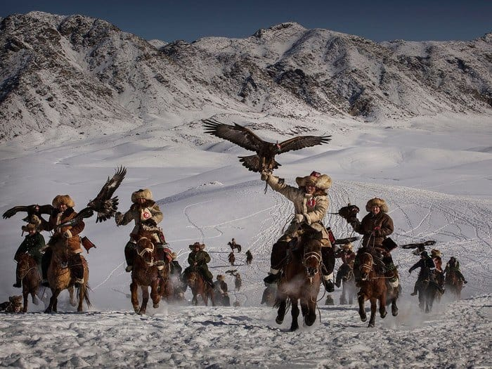 28 Kevin Frayer - Eagle Hunters of Western China Canada
