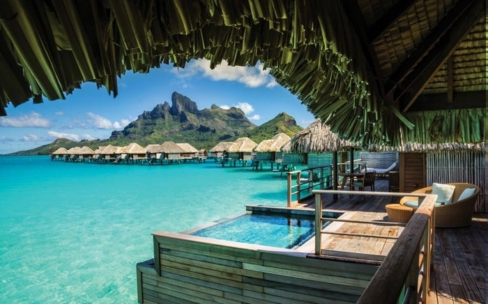 41 Four Seasons Resort - Bora Bora