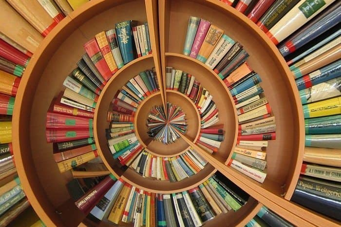 5 Ways Successful People Treat Books Differently