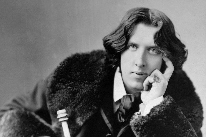 60 Wise & Funny Oscar Wilde Quotes