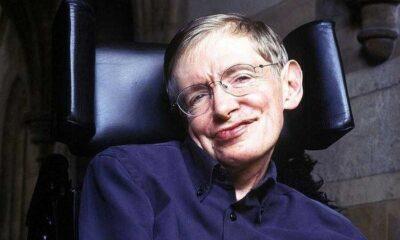 65 Intelligent Stephen Hawking Quotes