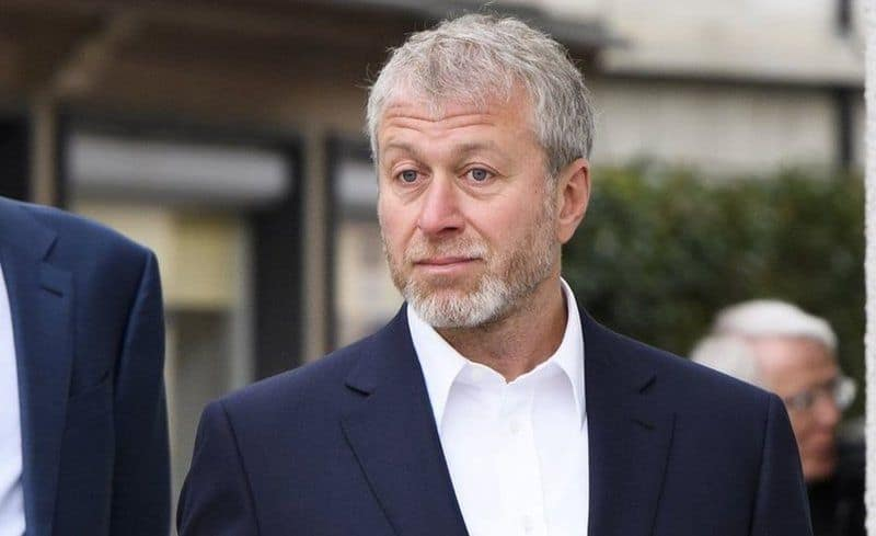 How Tycoon Roman Abramovich Spends His Millions