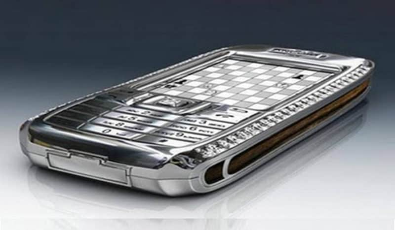 Most Expensive Phones Diamond Crypto Smartphone 800x467 - The 10 Most Expensive Phones in the World